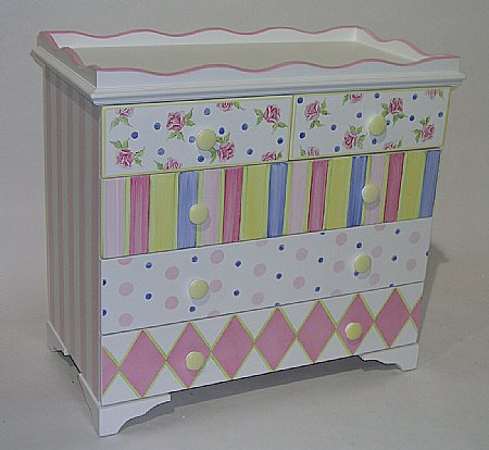 Serendipity 4 ft changer dresser